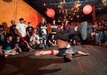 peter_tsai_breakdance-3